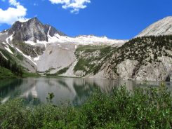 Snowmass peak above the lake.