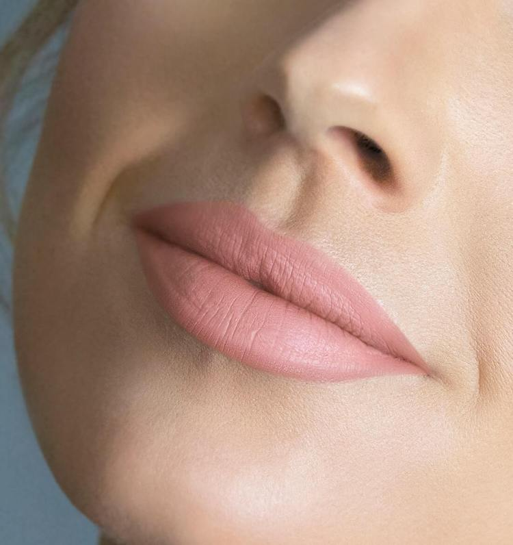 Best Beaty Products - City Lips Plumping Lipstick