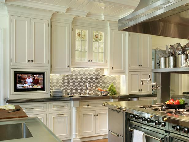Wall Cabinets For A Fully Operational Storage System At