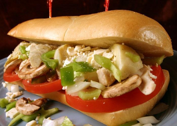 best greek chicken sandwich