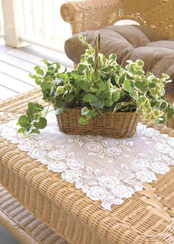 Lace Placemat - Tea Rose