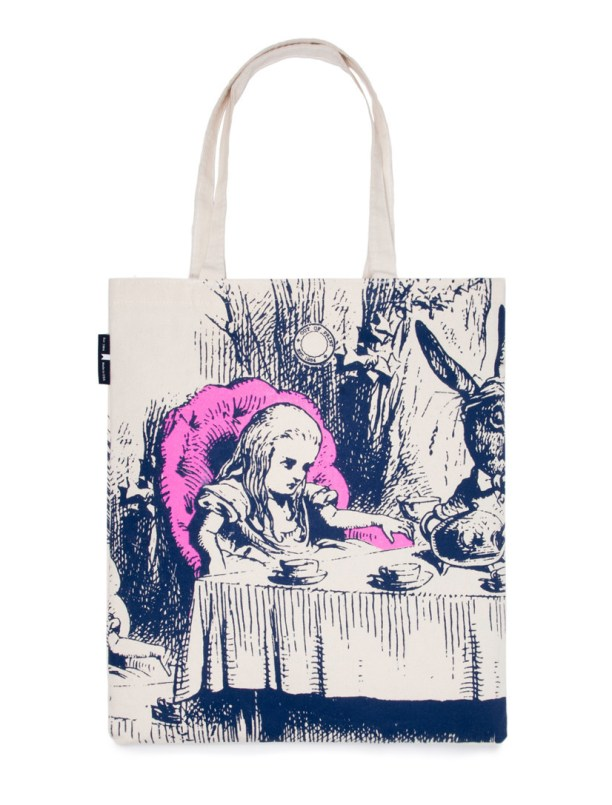 TOTE-1007_alice-in-wonderland_Totes_1_2048x2048
