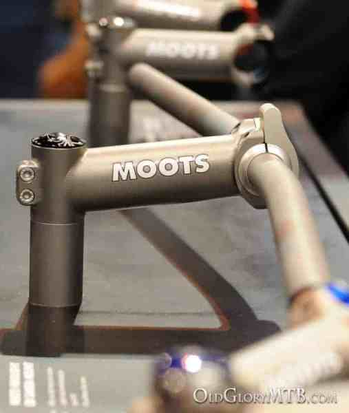 Moots titanium stem with light mount
