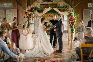 gatehouse-wedding-ceremony-old-glory-ranch-wimberley-wedding-venue-love-the-nelsons-photography
