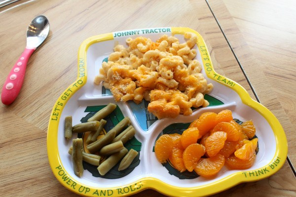 Macaroni and Cheese, Green Beans, and Oranges