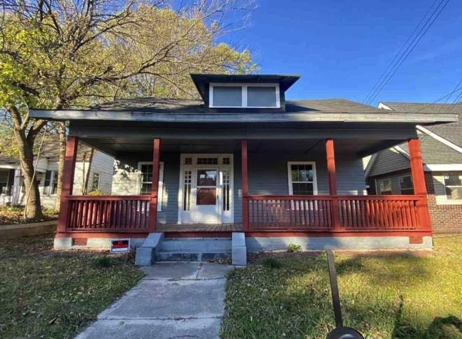 c.1919 Bungalow For Sale in Jackson TN Under $80K