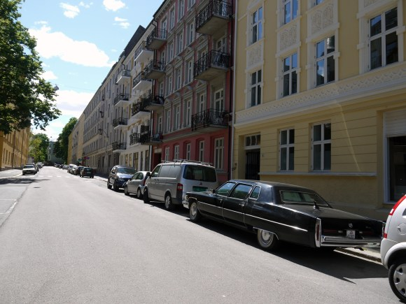 1975 Cadillac Fleetwood 75 Limousine streetparked oslo classic cars land yatch