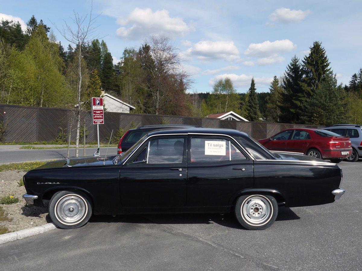 1968 Vauxhall Cresta Deluxe sedan