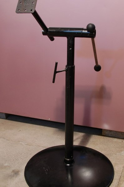 Telescoping Carving Stand, great device for holding your woodcarvings as you carve.