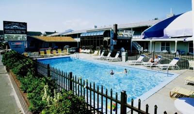 Large seasonal heated outdoor pool