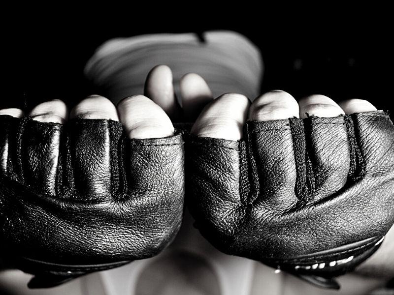 crack knuckles