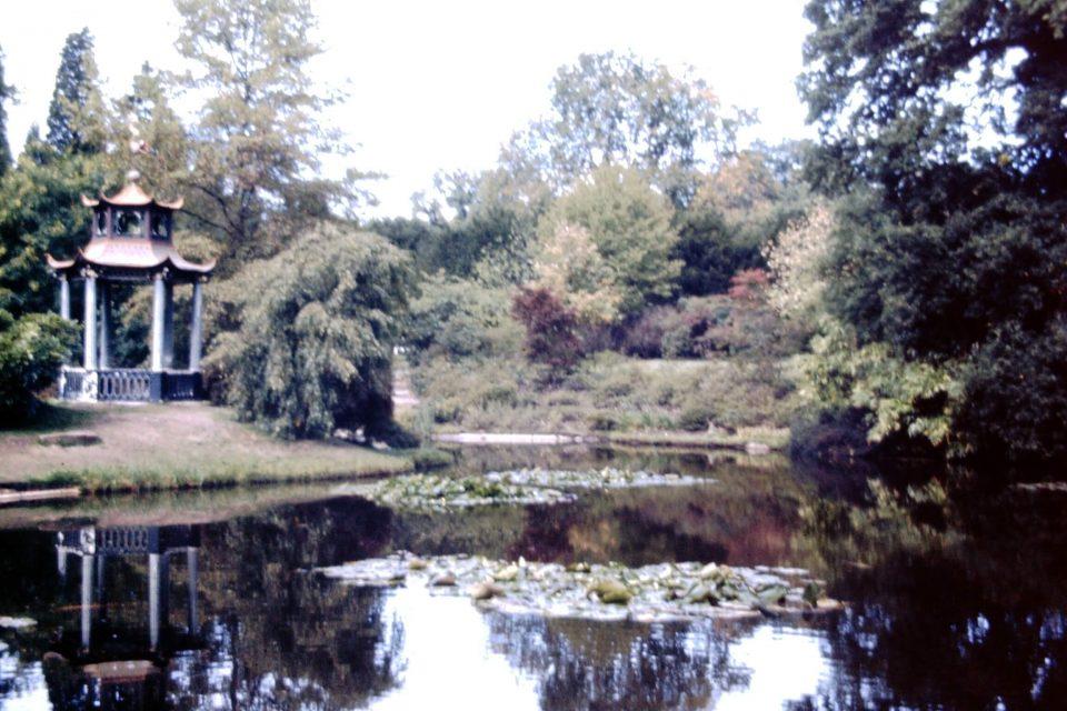 Cliveden - Cliveden-02-1975-Water-Garden.jpg