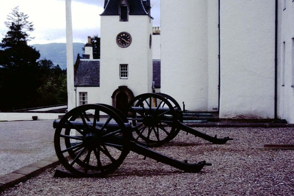 Scotland - Scotland-1979-02-Blair-Castle-Cannon.jpg