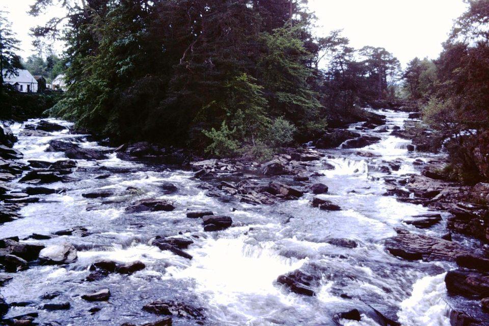 Scotland - Scotland-1979-10-River-Dochart.jpg