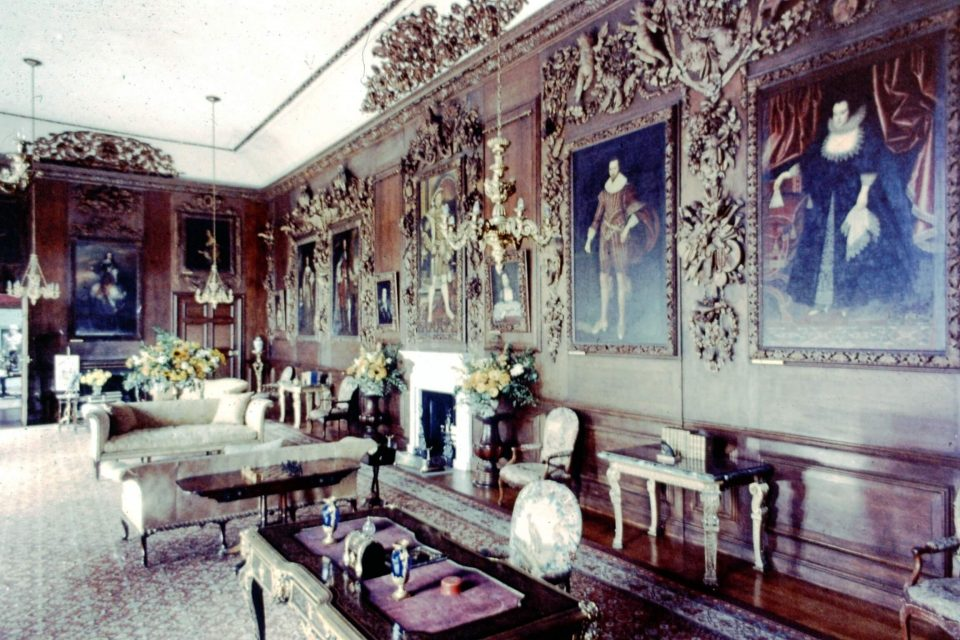 Sussex - Sussex-Grinling-Gibbons-Room-at-Petworth-House.jpg