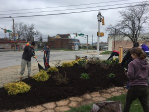old southside 2017 great indy cleanup mulching welcome garden on meridian street