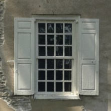 6 light over 6 light pattern, sash window, Cliveden, Philadelphia, old stone home