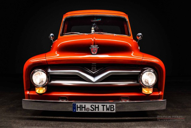 Ford F100, Pick-Up Truck, von vorn. Autofotografie: Stephan Hensel, Hamburg, Oldtimerfotograf