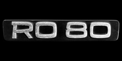 Logo Ro 80 am Heck (Kofferraumdeckel)