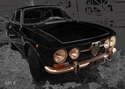Alfa Romeo 1750 GT Veloce in black & grey