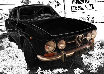 Alfa Romeo 1750 GT Veloce in black & white