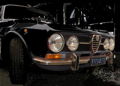 Alfa Romeo 1750 GT Veloce in black