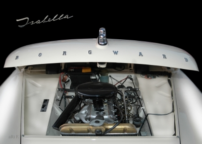 Borgward Isabella engine details in black-white 01