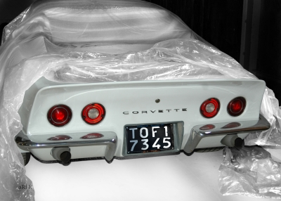 Corvette C3 in white & white covering (Originalfarbe)