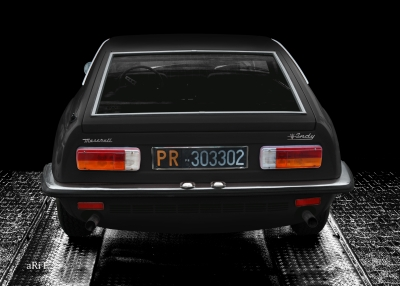 Maserati Indy in black & black, rear view