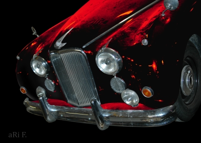 Jaguar Mark VII in black & redblack