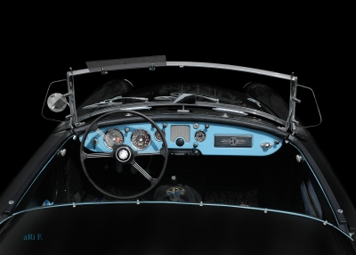 MGA 1600 Roadster in black & blue Interieur