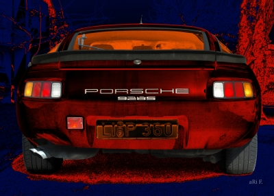 Porsche 928S in black & red