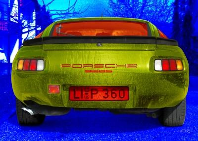 Porsche 928S Poster in silver-green