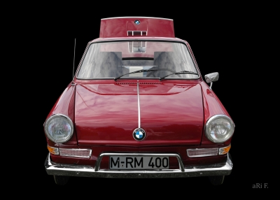 BMW 700 in black & darkred (Orignalfarbe)