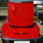 Opel GT mit geöfneter Motohaube