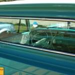 Teil-Innenansicht auf das Interieur des Opel Rekord P2 Pick-up