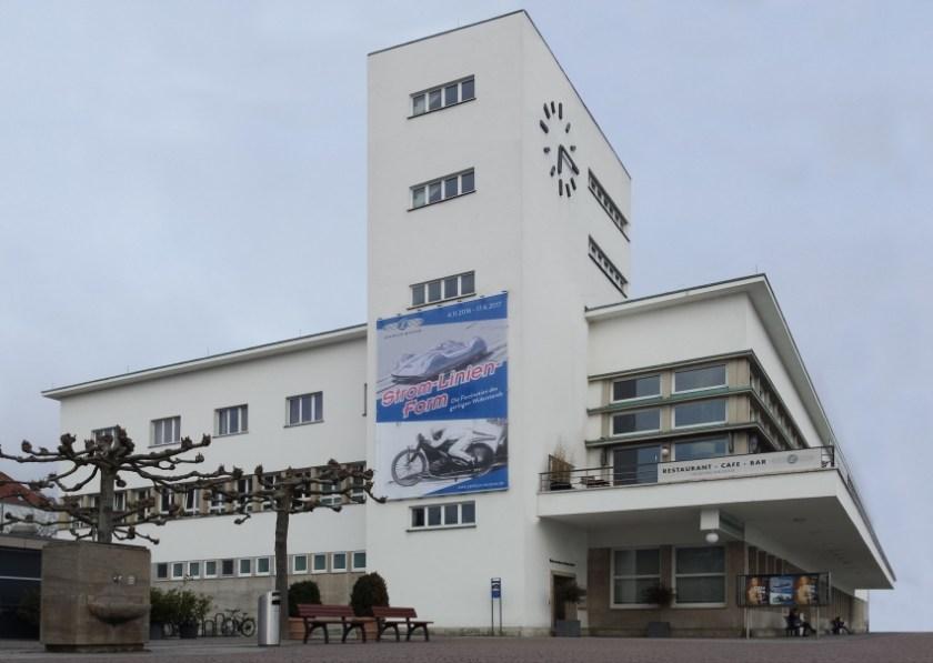 Zeppelin Museum - Strom-Linien-Form