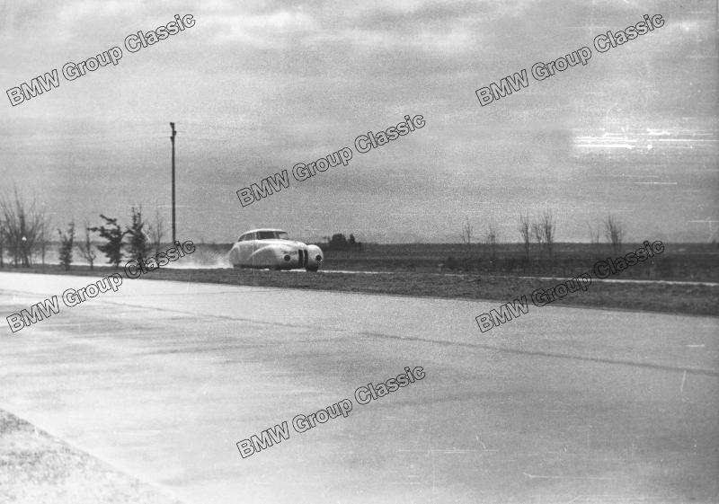 BMW 328 Mille Miglia Kamm Rennlimousine auf Testfahrt