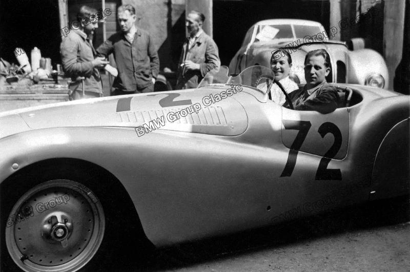 Impressionen aus dem BMW Mannschaftslager in Brescia beim I. Gran Premio Brescia delle Mille Miglia (28.04.1940)