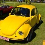 VW Käfer mit ausgestellten Kotflügeln