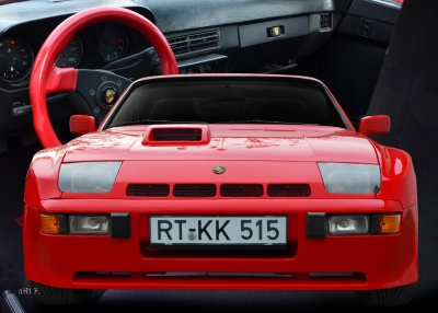 Porsche 924 Carrera GTS Poster in red