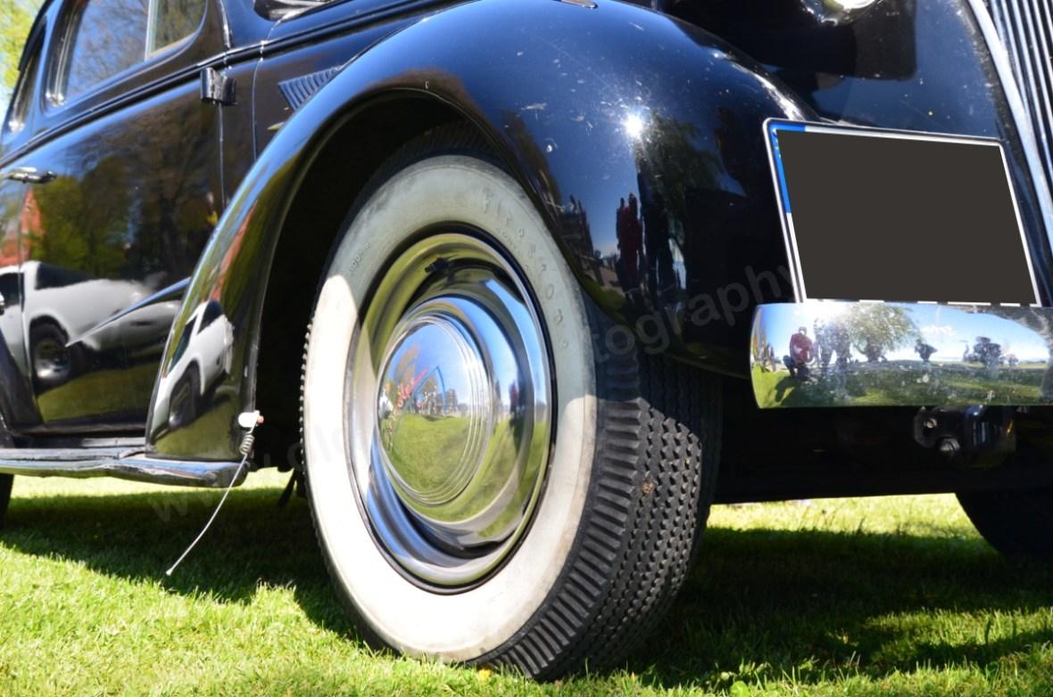 Chevrolet Master Coupe 1937 mit Weißwandreifen und Zerstäuber an den Kotfügel