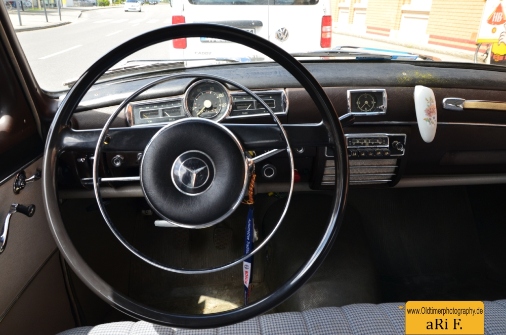 Mercedes-Benz 190 Db Ponton W 121 Armaturentafel