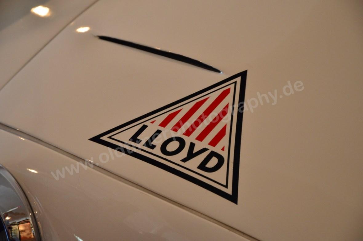 Lloyd Roland Weisse Maus Logo Lloyd