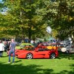 Ferrari Mondial T im Vordergrund