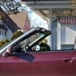 Audi 80 Cabrio mit stark geneigter Frontscheibe