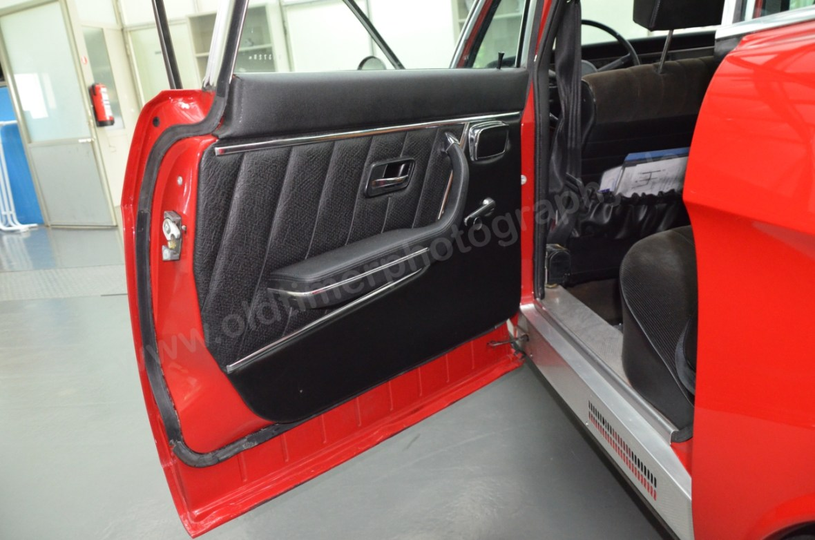 NSU Ro 80 Seitentüre mit teilweiser Lederverkleidung