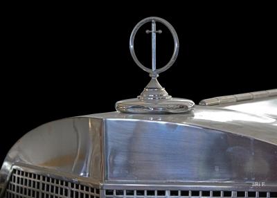 Excalibur Series IV Kühlerfigur