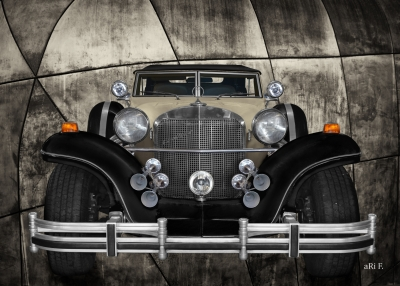 Excalibur Series IV Phaeton in Vintage Art