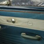 Opel Kadett A Coupe mit eingeprägten Opel-Logo auf Innentür